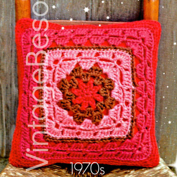 "Crochet PATTERN Vintage - 1970s Pretty Granny Square Pillow - 15"" Pillow Bohemian Home Decor VintageBeso Instant Download PDF Pattern"