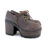 Vintage 90s Goth brown platform shoes. women's size 7.5