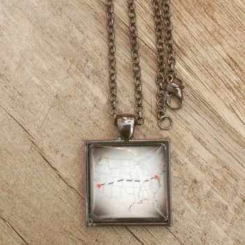 Long distance connected heart to heart dashes necklace