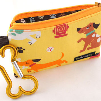 Dog Clean-Up Pouch - 'At the Dog Park' - With Clip to Attach to Your Leash & Free Earth Friendly Poop Bags