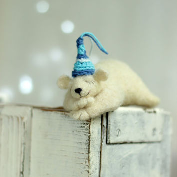 Needle Felt Withe Bear - Christmas Decoration - Dreamy White Bear  -Needle Felt Art Doll -  Withe Polar Bear - Christmas Decoration