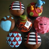 Alice in Wonderland Decorated Cupcakes