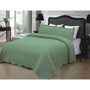 Cal King 3-Piece Quilted Cotton Bedspread with Shams in Sage Green