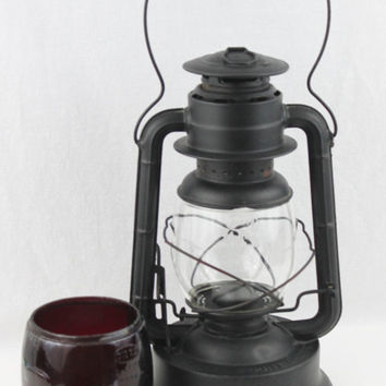 Never Used Dietz RR Lantern with red and clear glass, Dietz No.2 Large Fount D-Lite