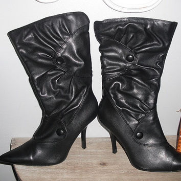 vintage black Slouch boots w buttons... HEELS size 11 W