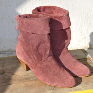 Burgundy Suede Short Booties/ 80s Leather Boots. Boho Hippie Boots. Western Cowgirl PinUp/ Cuff & Pleats. Lower Calf High Boots/ Sz 5.5 or 6