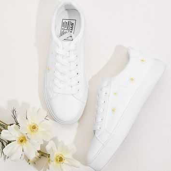 Daisy Embroidered Lace-up Front Sneakers