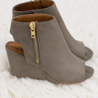The Emma Heels Taupe
