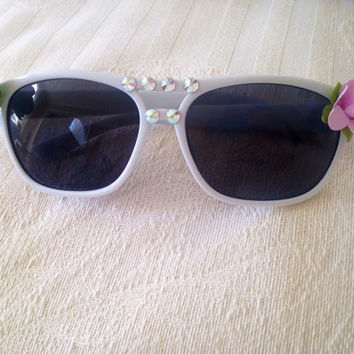 Floral and Swarovski crystal sunglasses (white)