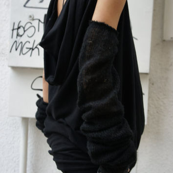 Loose  Long Black Blouse / Knit Ovesized Top /  Extravagant Tunic / Casual Dress