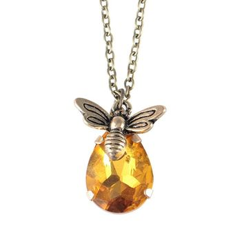 New Crystal Bumble Bee Necklaces Pendants Lovely Honey Bee honeycomb Hive Necklaces Jewelry Lover Gift Romantic Necklace