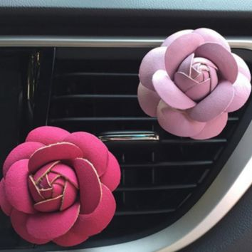 Essential Oil Felt Flower Car Diffuser (in-vent) w/ 3 pads