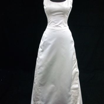 Carolina Herrera Ivory Duchess Satin Gown, CA138 - Tank/Cap Sleeve / Dropped Waist / 8