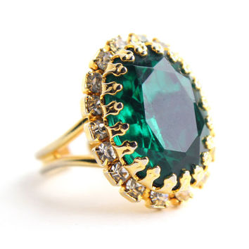 Vintage Green Glass Stone Ring - Adjustable Gold Tone Clear Rhinestone Costume Jewelry / Emerald Green Oval
