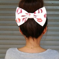 KISS KISS OVERSIZE BOW HAIR CLIP