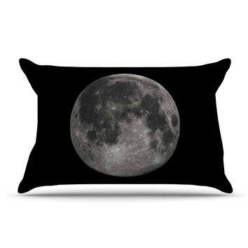 "Alias ""Luna"" Black Gray Pillow Case"