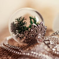 Real Moss Necklace, Jewelry Glass Bronze Globe Pendant, Real Dried Flowers, Moss,  Vial ball filled with real Moos