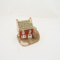 "Vintage Lilliput Lane ""Holly Cottage"", Collectable Vintage"