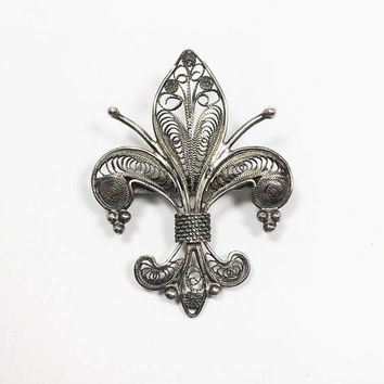 European Silver 800 Fleur de Lis Brooch, Vintage Mid Century 1940s 1950s Europe Stylized Lily Pin, Filigree Scroll Work, Floral Jewelry