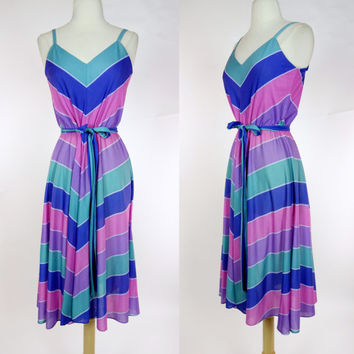 1980s chevron dress, stretch jersey striped spring summer A line spaghetti strap sun dress w/ waist tie, Small to medium