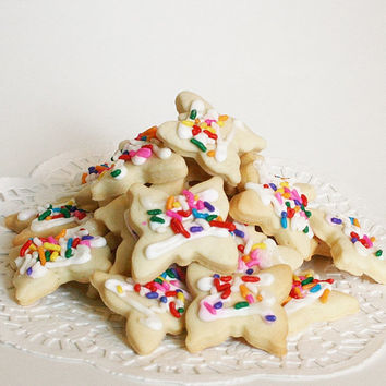 Mini Sprinkle Butter cookies traditional swiss simple cookies with icing rainbow sprinkles kekse guezli