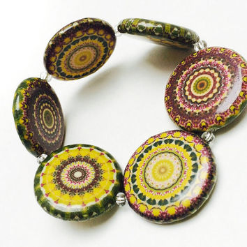 Mandala bracelet, mandala jewelry, beaded bracelet, decoupage beads, yellow and green jewelry, elastic bracelet, mandala art, mandala lover
