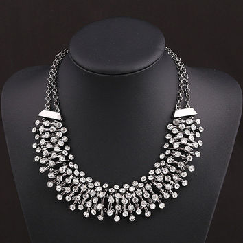 2 colors Bling Crystal Statement Necklace Chunky Statement Neckl eca2d63b6065