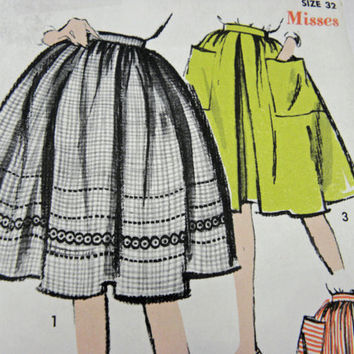 Vintage sewing pattern womens skirt advance 2866 two styles size 32 misses Un cut Un used factory folded