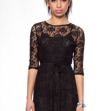 Lacey Slip Dress in Black :: tobi