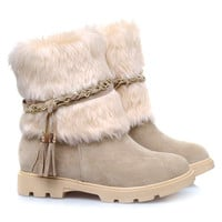 Snow Boots With Faux Fur and Fringe Design