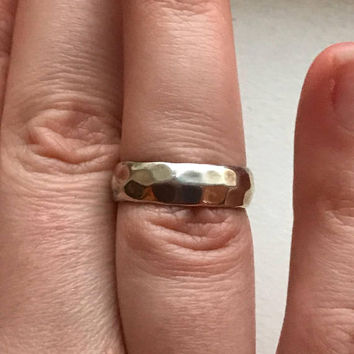 Vintage Sterling Silver Hammered Silver Style Band Ring Size 8