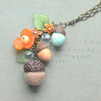 Needle felted wool acorns necklace, acorn necklace, woodland theme handmade jewelry, beige yellow blue, whimsical jewelry, gift under 15