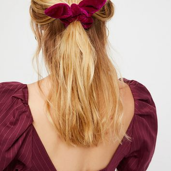 Free People Knotted Velvet Scrunchie