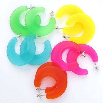 Vintage Hoop Earrings Retro Bright Colorful Frosted Plastic or Lucite 5pr. Lot