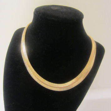 Gold Tone Serpentine necklace Omega Chain Choker Unique Design