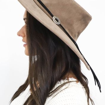 No Stranger Taupe Hat with Silver Small Buckles