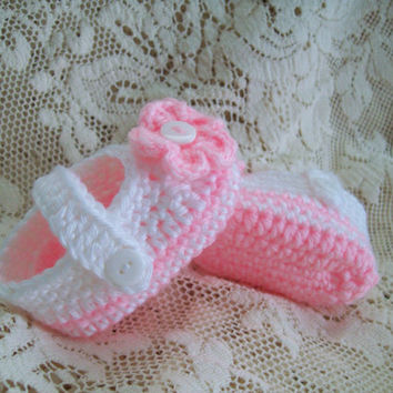 Crochet Baby Shoes, Pink and White Baby Booties, Baby Girl Shoes, Newborn to 3 Months