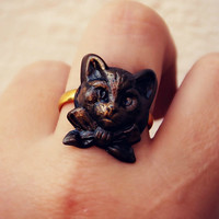 cat face ring, kitsch ring, cute ring, animal ring, vintage style ring, cat with bow-tie