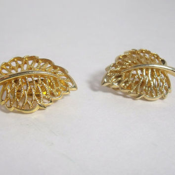 Vintage Gold Leaf Earrings clip on open design ladies costume jewelry