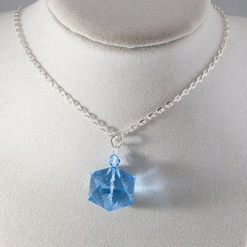Ice Gamescience D20 Dice Necklace - Polycarbonate Tabletop Gaming Jewelry with Crystal Accents