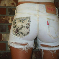 Distressed/Bleached/Frayed Light Jean Shorts With Back Pocket Pattern - LEVI'S