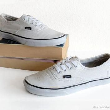 CREYONS Cream leather Vans Authentic sneakers, vintage skate shoes in supple leather, size eu