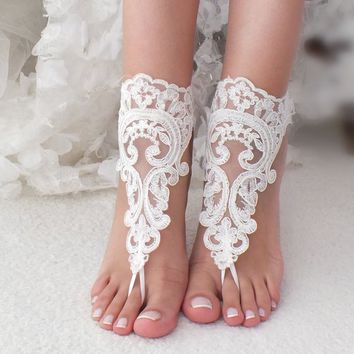 Ivory lace barefoot sandals, Bridal shoes, Wedding shoes, Bridal footless sandals, Beach wedding lace sandals, Bridal anklet Bridesmaid gift