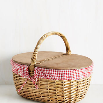 I Believe We've Meadow Picnic Basket | Mod Retro Vintage Decor Accessories | ModCloth.com