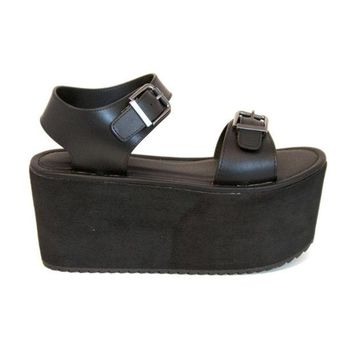 ONETOW YRU Orion - Black High Platform Buckle Strap Sandal