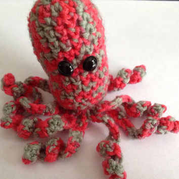 Mini Amigurumi Octopus : Mini Octopus Amigurumi from DoodlesRoost on Etsy Doodle ...