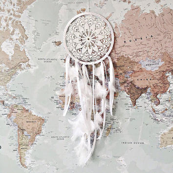 Dreamcatcher, Boho Dreamcatcher, White Dream catcher, White dreamcatcher, Weddings Decor, Boho Wall Hanging, Home Decor, Feathers , Crochet