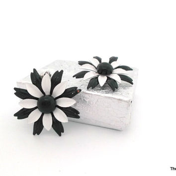Vintage enamel on metal black and white daisy flower clip on earrings