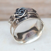 Spinner ring, Sterling silver ring, Wide band ring, Hammered spinner ring, Anxiety ring, Fidget jewelry, Spinner ring with a rose, Artisan