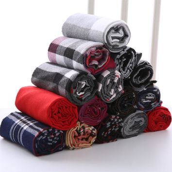 Brand Designer Plaid Men Scarf  Winter Fashion Knitted Scarves Classical Plaid Scarf for Women Imitation Cashmere Scarves Tassel